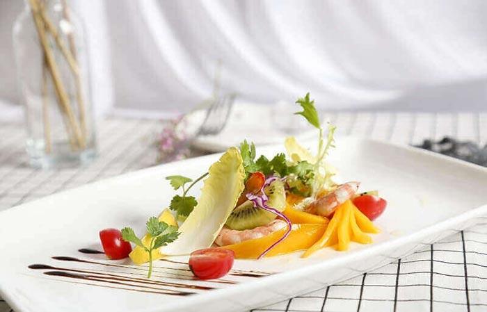 鲜虾蔬果色拉