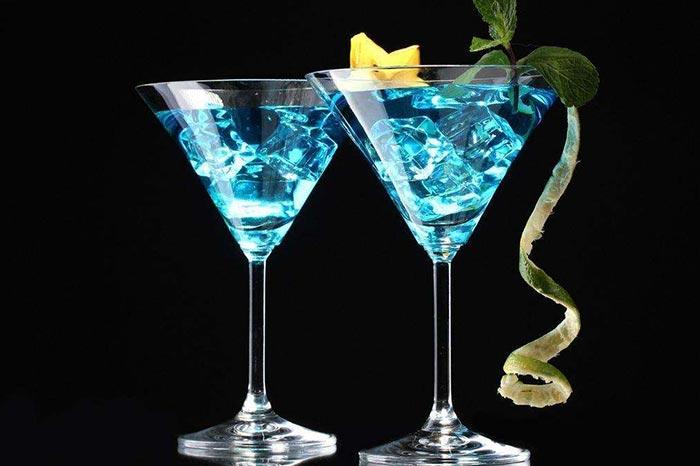 蓝色香槟鸡尾酒