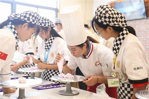 福州烘焙师培训哪家好、如何选择烘焙培训学校
