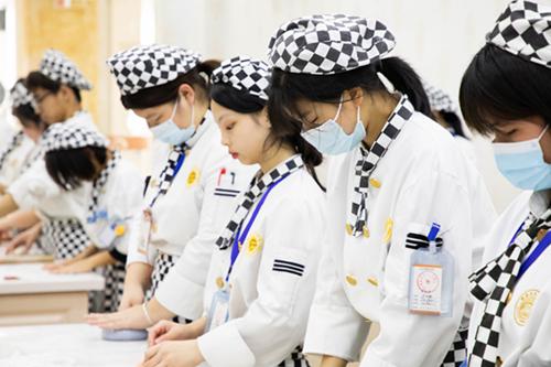 上普高不是唯一出路,选职业技术学校,一样可以创出彩人生!